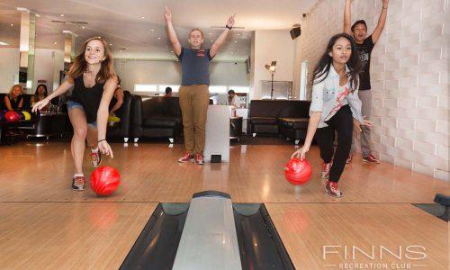 Strike-10-pin-bowling-07